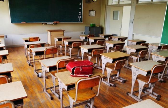 المدارس ـ الدكاكين: طلاب وهميون والافادة بـ2000$