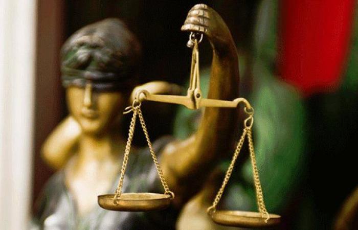 أحكام غيابية بحق 72 متهماً