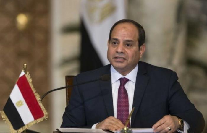 «السيسي» يجدد تعيين نائب رئيس الهيئة العامة للمنطقة الاقتصادية لقناة السويس
