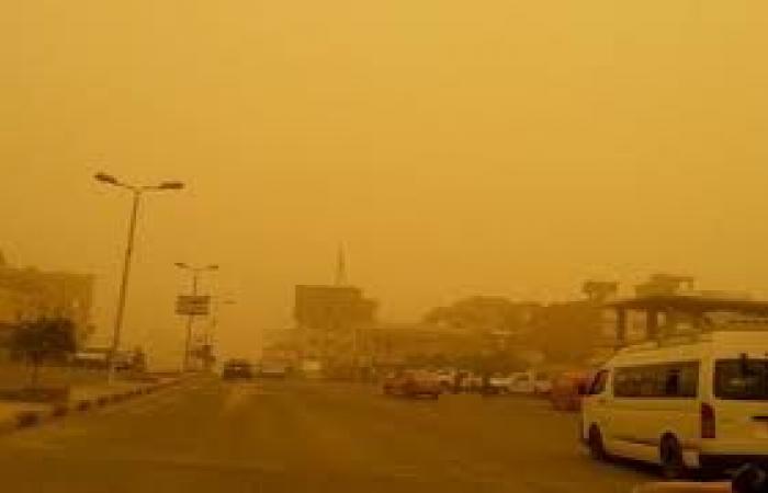 «المرور» يغلق طريق الصحراوي الغربي بسبب العاصفة الترابية