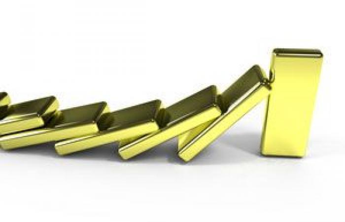 الذهب يسجل أدنى مستوى فى 5 أشهر بفعل قوة الدولار الأمريكي