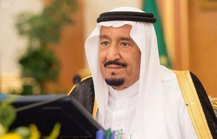 العاهل السعودي يجري اتصالاً هاتفياً بالرئيس الفلسطيني