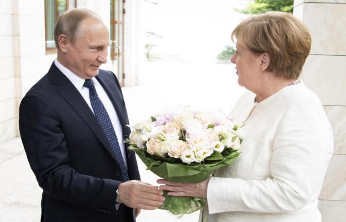 تقارب نادر في المواقف بين بوتين وميركل