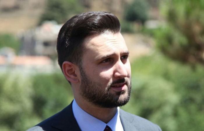 جنبلاط يبحث أوضاع لبنان مع السفير الاسترالي
