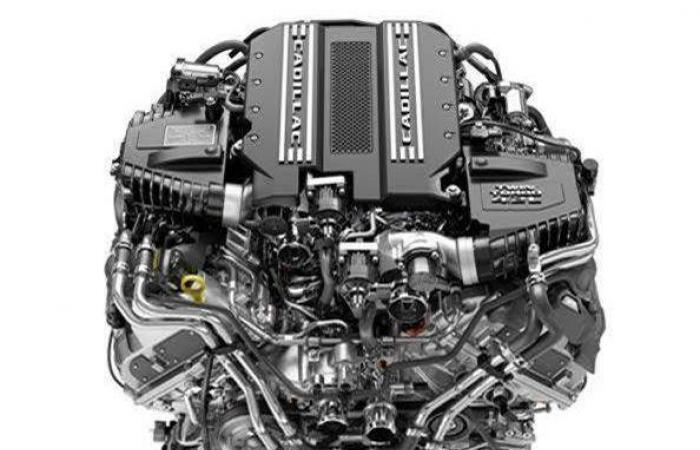 كاديلاك تطرح أول محرك V8 بشاحن توربيني توأمي على الإطلاق