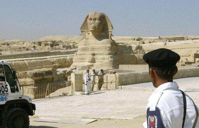 """اكتشاف """"أبو الهول"""" جديد بمصر خلال شق طريق"""