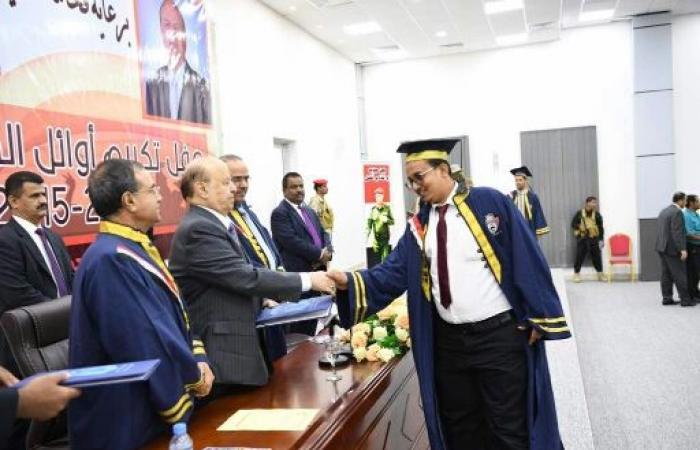 الرئيس هادي يصدر توجيهات تفرح «طلاب جامعة عدن» ويلقي خطابا توجيهيا مهما ويكرم الاوائل