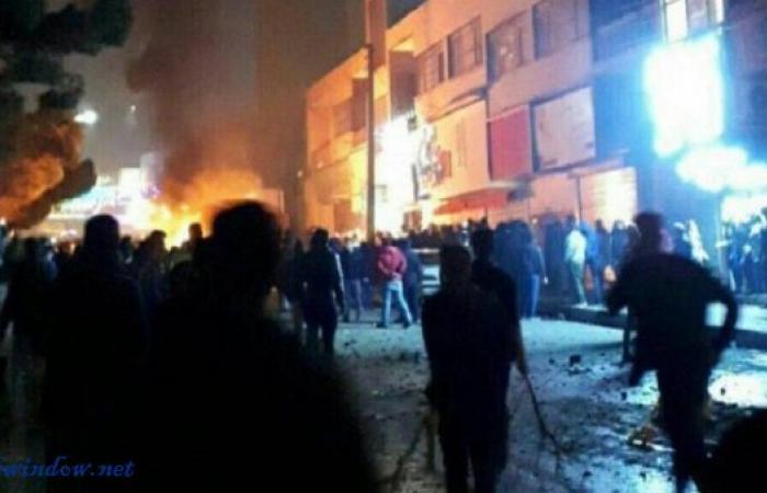احتجاجات إيران تتواصل ليلا واشتباكات عنيفة مع الأمن
