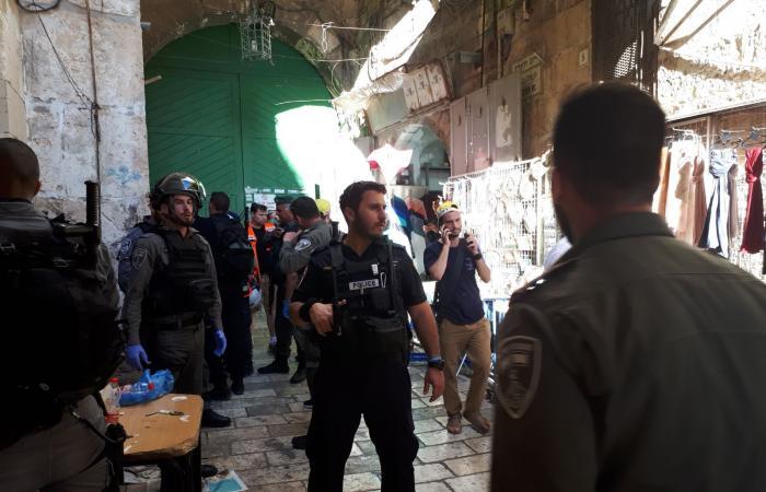 فلسطين   الاحتلال الاسرائيلي : عملية طعن في القدس القديمة واستشهاد المنفذ