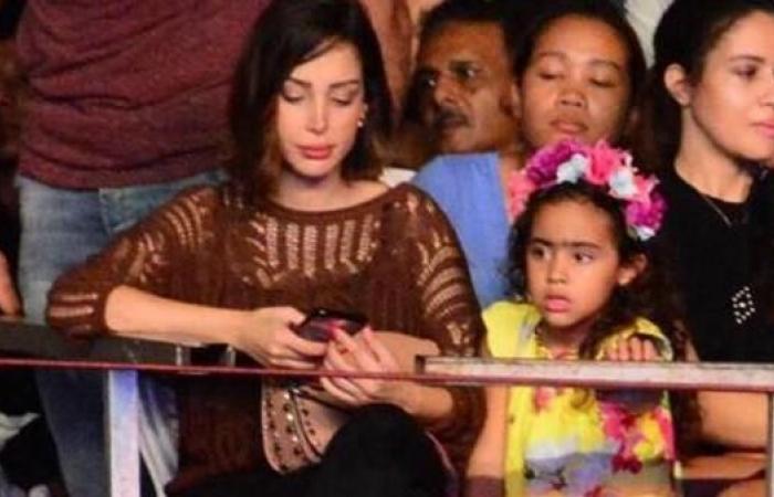 صور.. ابنة تامر حسني تظهر لأول مرة بحفل ألبومه الجديد