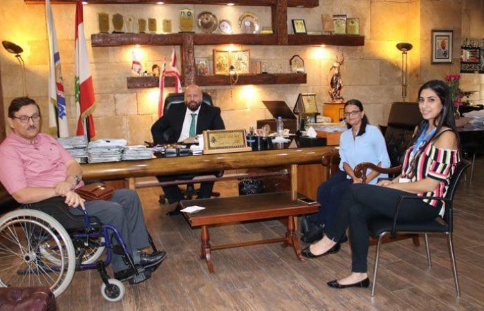 نهرا اكد أمام وفد منتدى حقوق ذوي الإعاقة دعمه الكامل لحملة احترم حقي بالتنقل