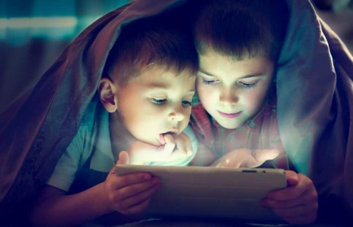 أفضل تطبيقات تشغيل الفيديوهات للأطفال لنظامي آي أو إس وأندرويد