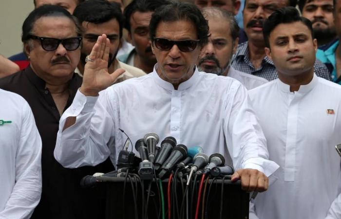 عمران خان: الإساءة للإسلام مثل إنكار الهولوكوست