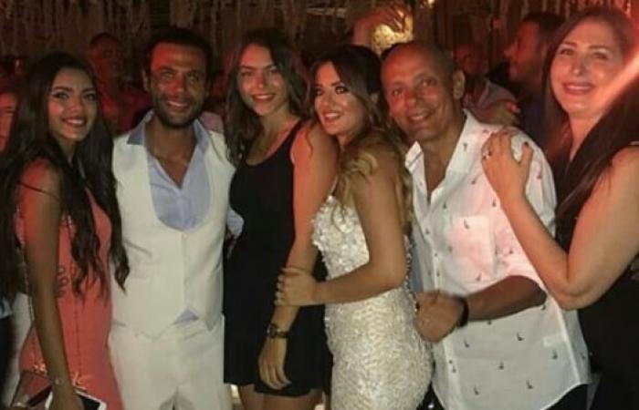 شاهد.. لقطات مسربة من حفل زفاف محمد إمام
