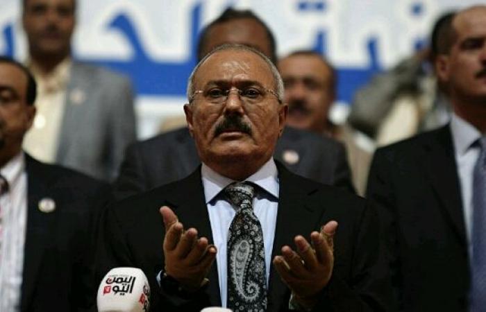 اليمن   «قائمة طويلة بالقيادات الخونة».. قيادي مؤتمري يكشف مفاجآت الساعات الأخيرة في حياة «صالح» ومبادرات الحوثي الـ3