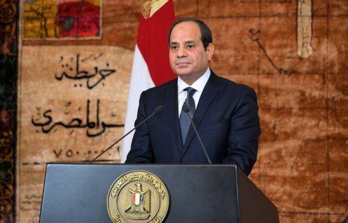 مصر | السيسي يجتمع بقادة الجيش ويبحث عمليات مواجهة الإرهاب