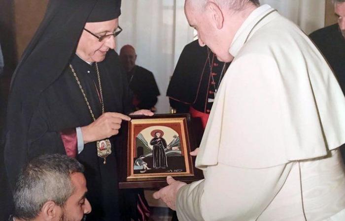 درويش يلتقى البابا فرنسيس في الفاتيكان