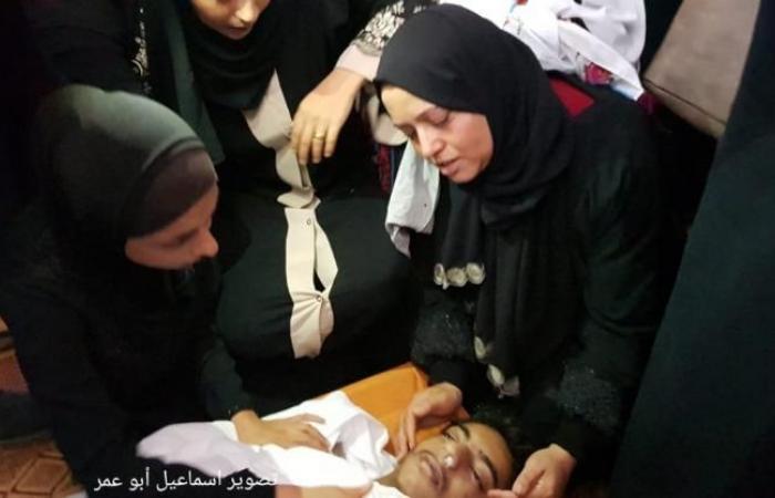 فلسطين | جماهير غزة تشيع جثمان الشهيد صهيب الكاشف