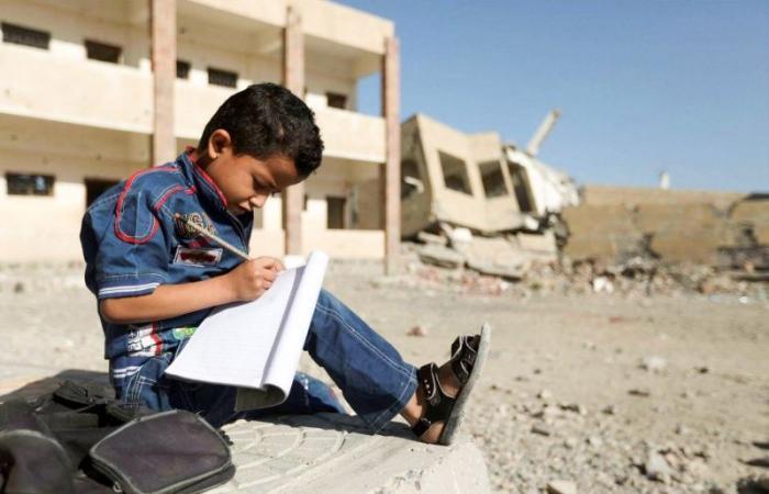 اليمن | طلبة المدارس في اليمن يرسمون في الأحلام بلدا سعيدا