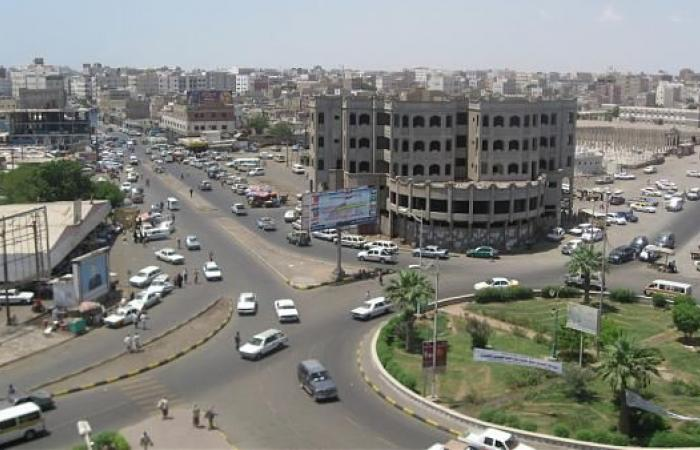 اليمن   12 حزبا سياسيا يحذرون من «فتنة وعمل عدواني» يراد منه ضرب الشرعية وارباك البلاد ويحملون هذه الجهة المسئولية