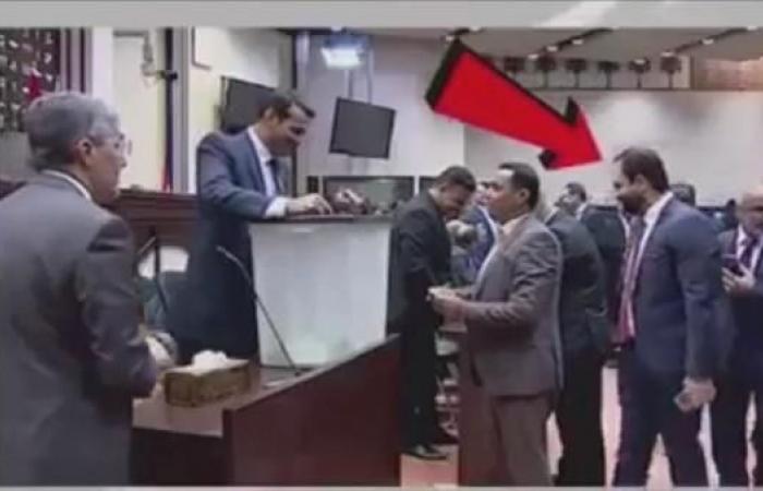 العراق | شاهد ما حدث أثناء التصويت لاختيار رئيس برلمان العراق