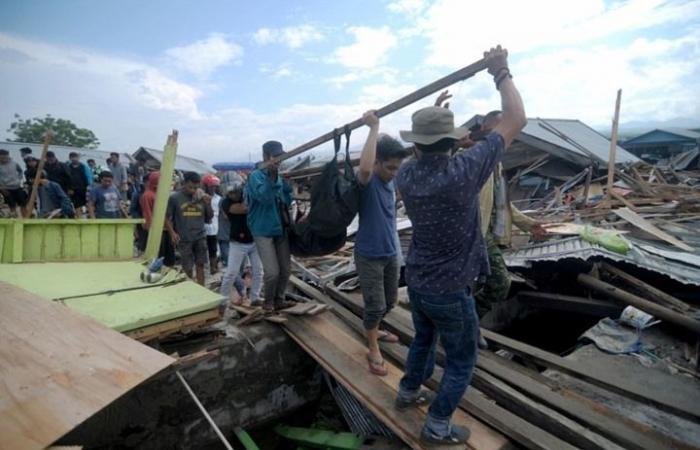 توقعات بآلاف القتلى في زلزال وتسونامي إندونيسيا (شاهد)