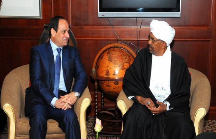 فلسطين   البشير: لدينا من الوثائق ما يثبت سودانية حلايب