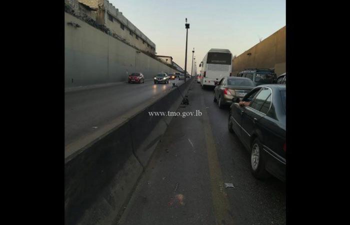 بالصور: 5 جرحى على طريق المطار