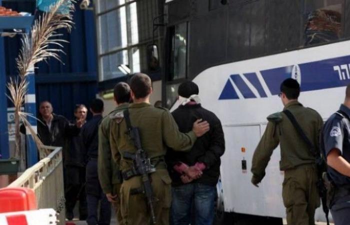 فلسطين   الاحتلال يعتقل 5 مواطنين في الضفة فجر اليوم