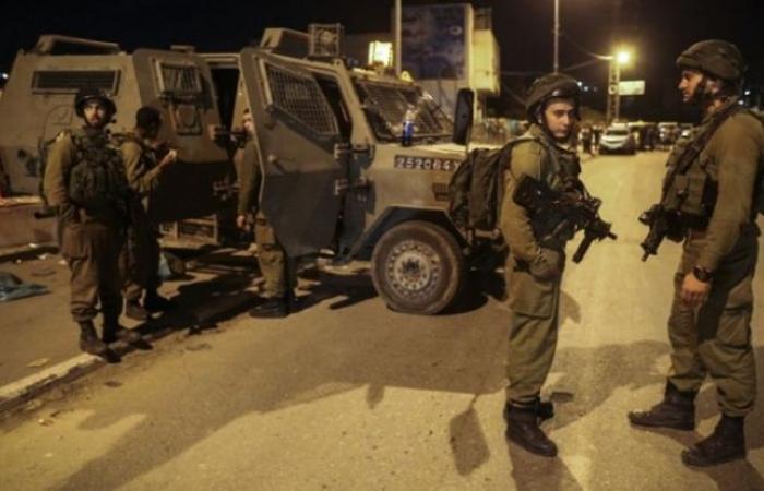 فلسطين   اعتقال 21 مواطنًا في الضفة وإطلاق نار في غزة