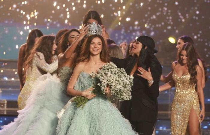 بذخ بجوائز ملكة جمال لبنان 2018.. بلجنة تحكيم من مشاهير