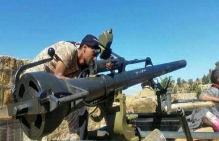 اليمن | قوات الجيش تصطاد طقم حوثي ومصرع كل من على متنه