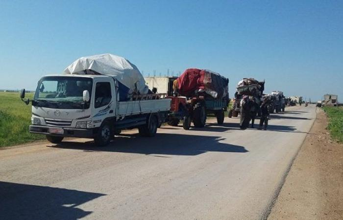 سوريا   أتاوات و انتهاكات من قبل القوات النظامية .. إدلب : معبر أبو الضهور يشهد استمرار عودة المواطنين عبره بأعداد قليلة إلى مناطق سيطرة النظام