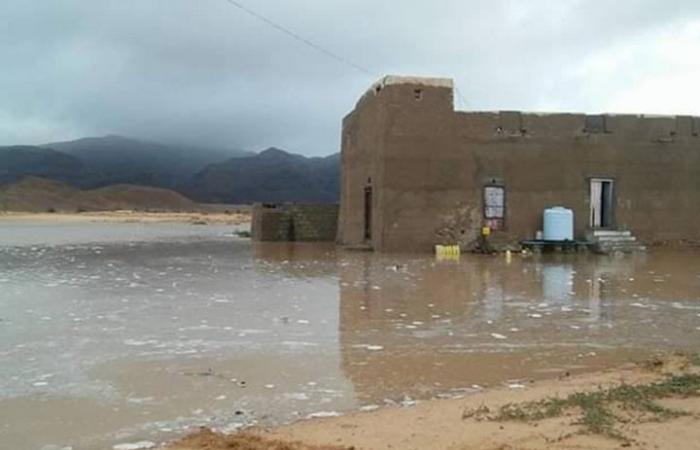 """إصابة 20 يمنيا وإجلاء مئات الأسر جراء إعصار """"لبان"""" (شاهد)"""