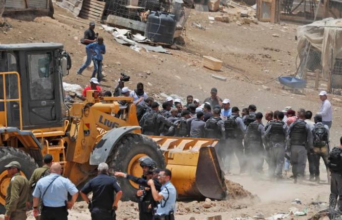 فلسطين   7 اصابات واعتقال 4 في مواجهات في الخان الاحمر