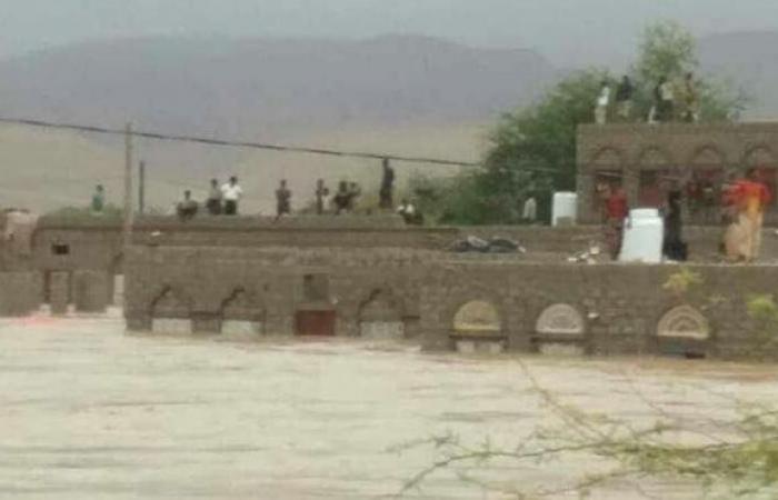 اليمن   عاجل - شاهد صورا حديثة من داخل المهرة والحكومة توجه نداء - سيول جارفة ومنازل تغرق والسكان يستغيثون