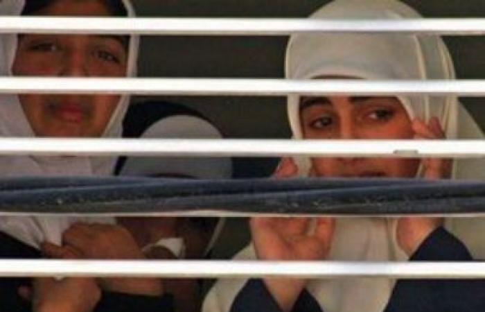 فلسطين   تقرير : الاحتلال اعتقل 615 امرأة منذ بدء انتفاضة القدس