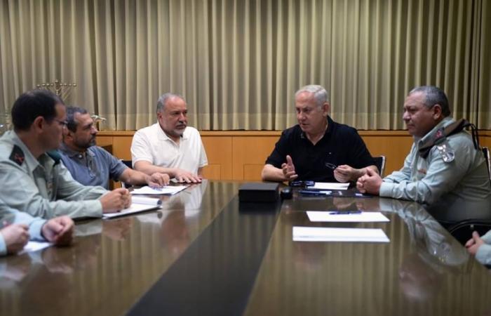 فلسطين | نتنياهو يعقد جلسة مشاورات أمنية بمشاركة كبار قادة الجيش بشأن الأوضاع مع غزة
