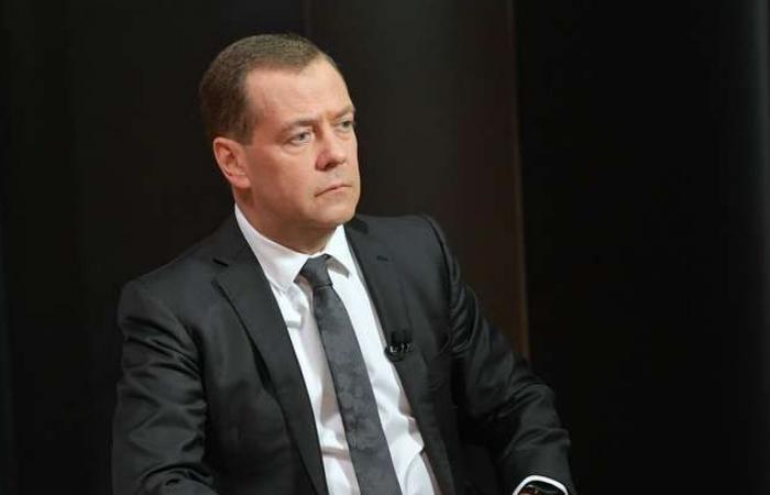 سوريا   رئيس وزراء روسيا : ستبدأ مرحلة إعادة الإعمار في سوريا بعد إجراء انتخابات