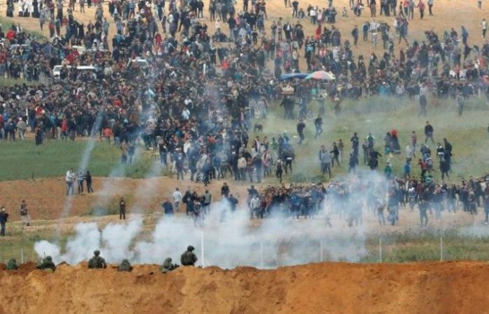 """فلسطين   غزة: اصابات برصاص الاحتلال في جمعة """"التطبيع مع العدو جريمة وخيانة"""""""