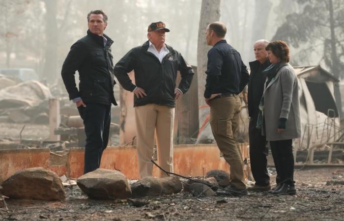 دولي   ترامب في كاليفورنيا لمعاينة أضرار أكبر حريق بتاريخ الولاية