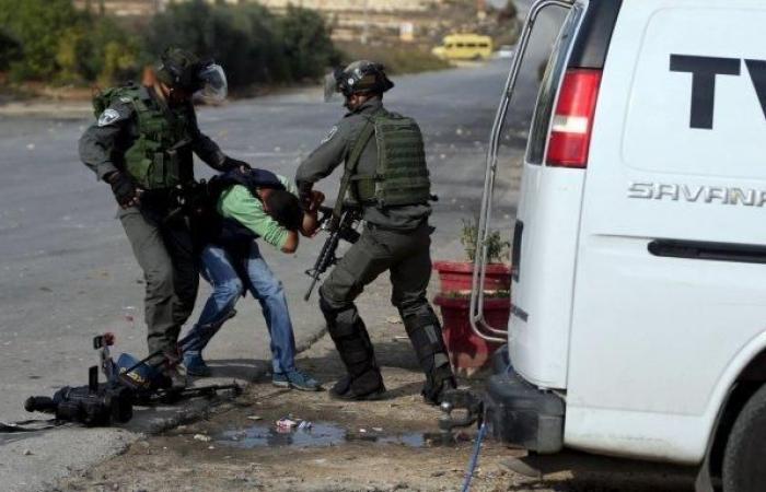 فلسطين | رام الله: إصابة شاب برصاص الاحتلال