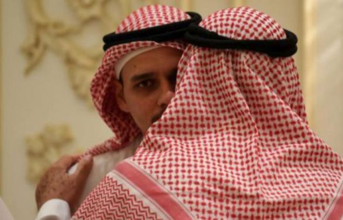 الخليح   أبناء جمال خاشقجي يستقبلون المعزين في جدة