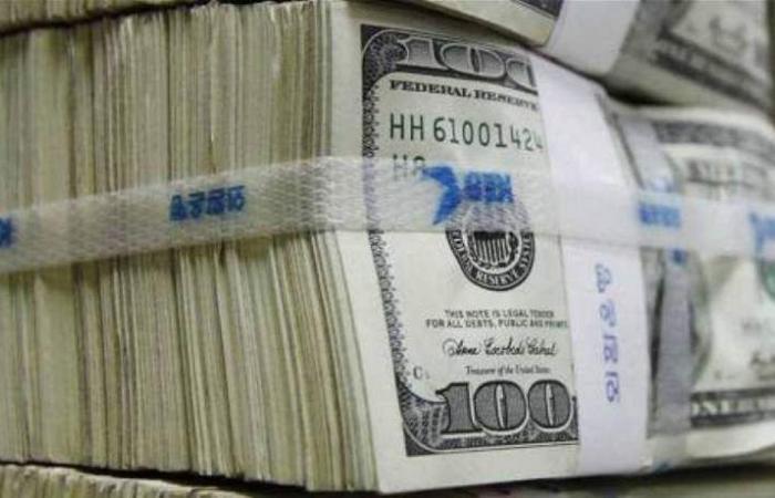 الاقتصاد 'مدولر'.. توقعات عن تضخّم الأسعار واتساع الفجوة بين مداخيل اللبنانيين!