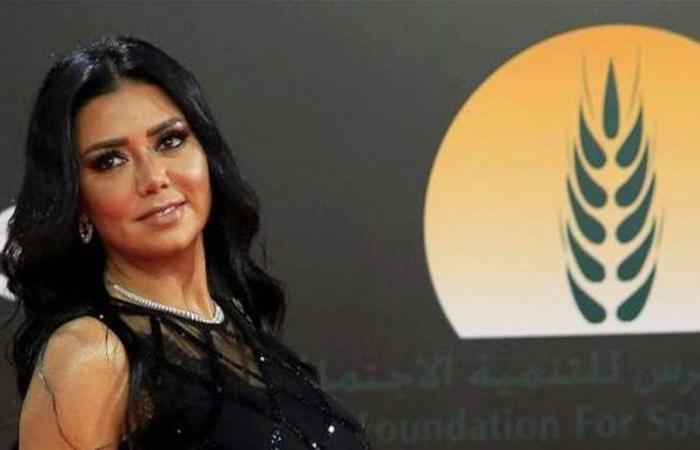 إخلاء سبيل رانيا يوسف بعد 'فضيحة الفستان'