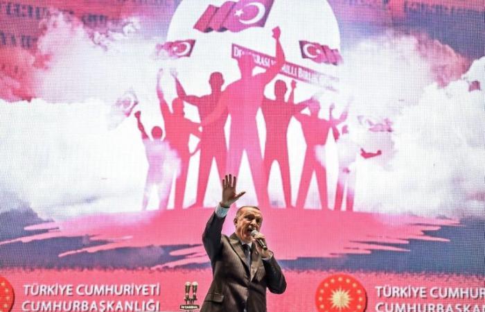 تركيا: حملة لاعتقال أكثر من 200 شخص بشبهة الاتصال بحركة غولن