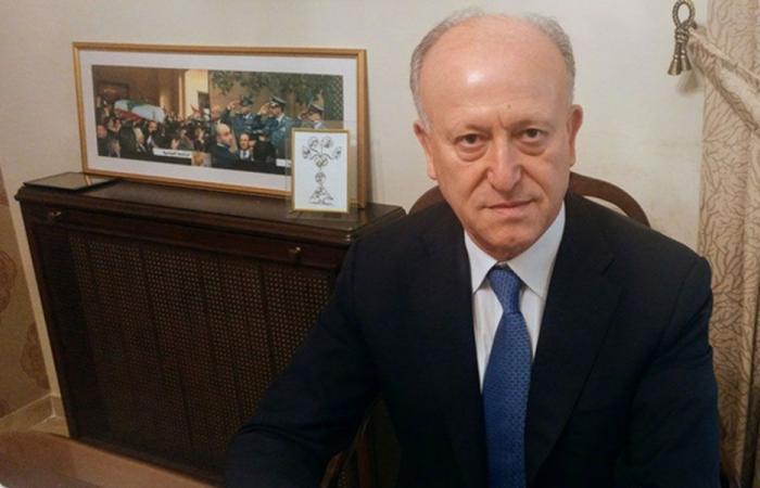 ريفي لإيران: مهما استكبرتم لبنان دولة سيدة مستقلة