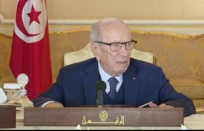 """تونس.. السبسي يواجه تهمة """"تجاوز السلطة"""" أمام القضاء"""