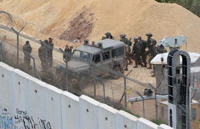إسرائيل أطلقت قنابل مضيئة في الأجواء الجنوبية