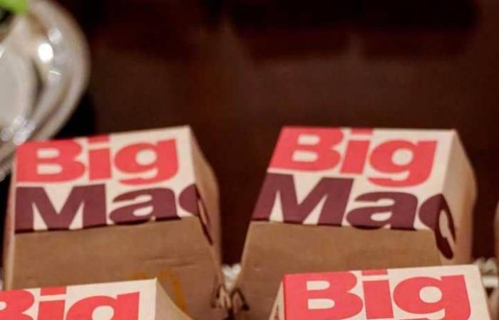 بوجبات McDonald's و Burger King… هكذا استقبل ترامب ضيوفه! (بالفيديو والصور)